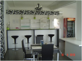 Agoston Hotel, Restaurant