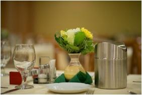 Hotel Alfold Gyongye, Restaurant
