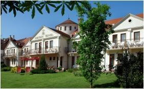 Hotel Ametiszt, Harkany, Exterior view