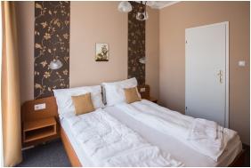 , Aqua Hotel, Kistelek