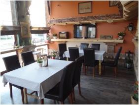 Hotel Aqua, Kistelek, Restaurant