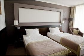 Ramada Resort Aquaworld , Reception area - Budapest