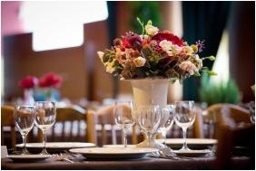 Esküvői teríték, Aranyhomok Business & Wellness Hotel, Kecskemét
