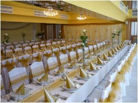 Esküvői teríték - Aranyhomok Business & Wellness Hotel