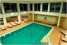 Atlantis Medical Wellness & Conference Hotel, Swimming pool - Hajduszoboszlo