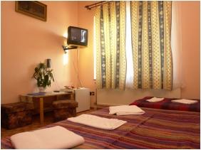 Hotel Attıla, Budapest, Trıple room