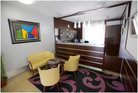 Recepció, Auguszta Hotel, Debrecen