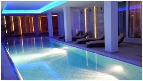 Hotel Aurora, Swimming pool