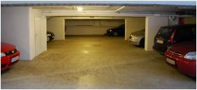 Pension Bacchus, Eger, Subterranean garage