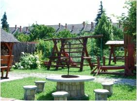Pension Bacchus, Yard - Eger