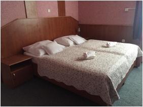 Bagolyvár Étterem & Vendégház & Wellness, Family Room