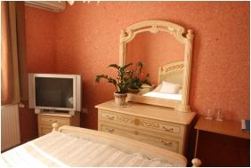 Franciaágyas szoba, Bagolyvár Étterem & Vendégház & Wellness, Inárcs
