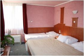 Háromágyas szoba - Bagolyvár Étterem & Vendégház & Wellness