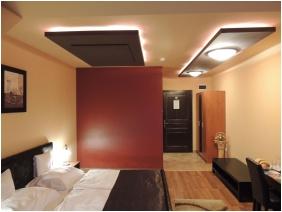 Franciaágyas szoba, Bajor Panzió Aparthotel, Bük, Bükfürdô