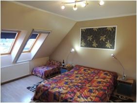 Bajor Pension Aparthotel, Buk, Bukfurdo, Double room with extra bed