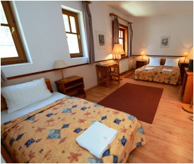 Háromágyas szoba - Hotel Bakony