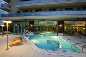 Balneo Hotel Zsori Thermal & Wellness, Outside pool