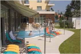 Open-air terrace, Balneo Hotel Zsori Thermal & Wellness, Mezokovesd