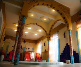 Hotel Baranya, Harkany, Inside pool