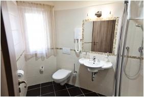 Hotel Baranya, Bathroom