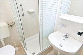 Bathroom, Hotel Baranya, Harkany