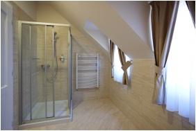 Barokk Hotel Promenad, Bathroom