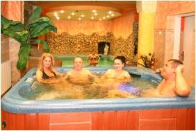 Wellness Hotel Bastya, Nyirbator, Whirl pool