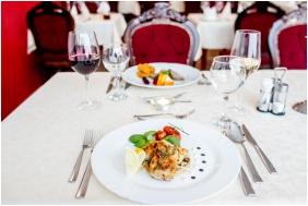 Castle Hotel Batthyany, Restaurant