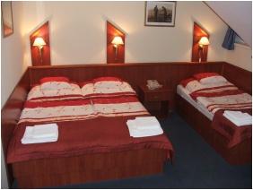 Boglarka Pension & Apartments, Triple room - Mezokovesd