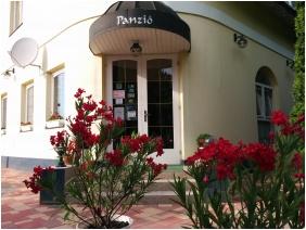 Entrance - Boglarka Pension & Apartments