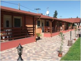 Boglarka Pension & Apartments, Family apartment - Mezokovesd