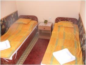 Family apartment, Boglarka Pension & Apartments, Mezokovesd