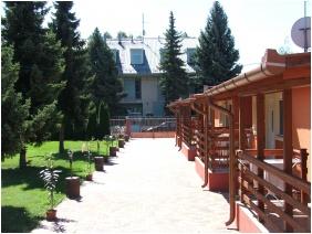 Garden - Boglarka Pension & Apartments