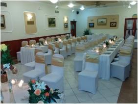 Boglarka Pension & Apartments, Mezokovesd, Weddingmeal setting