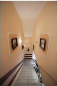 Boglárka Panzió & Apartmanházak,  - Mezôkövesd
