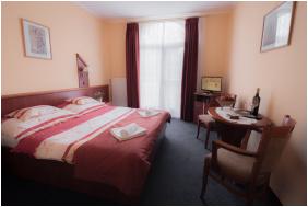 Front view - Boglarka Pension & Apartments
