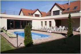 Boni Családi Wellness Hotel, Zalakaros, Belső kert