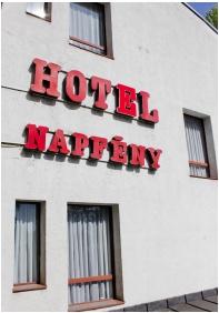 CE Napfény Hotel , Tavasz