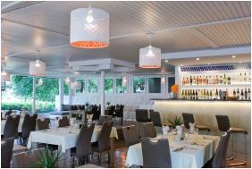 CE Napfény Hotel , Étterem