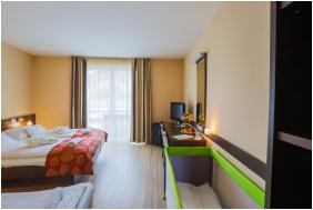 - CE Plaza Hotel