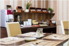 Breakfast - Central Hotel 21