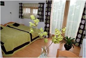 Centrum Apartment Hotel, Pecs,
