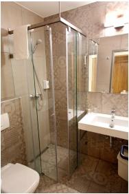 City Hotel Ring, Bathroom - Budapest