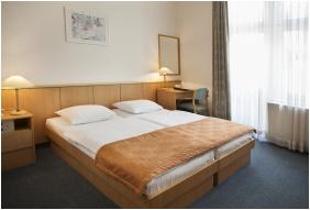 Standard room, City Hotel Matyas, Budapest