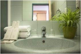 City Hotel Matyas, Bathroom