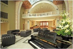 Continental Hotel Zara, Ambiance de réception