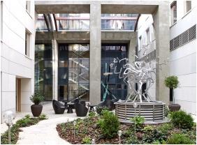 Jardin interne, Continental Hotel Zara, Budapest