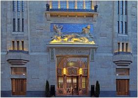 Continental Hotel Zara, Illumination - Budapest