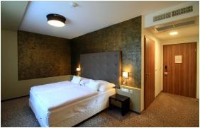 Corso Hotel Pecs, Pecs, Twin room