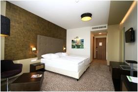 Bathroom, Corso Hotel Pecs, Pecs